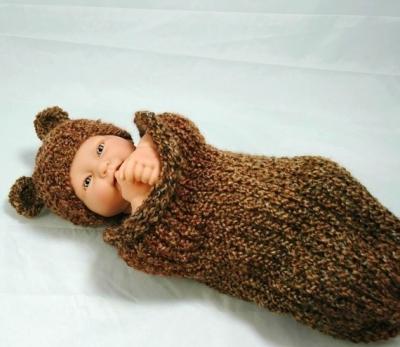 Необычный костюм для новорожденного спицами