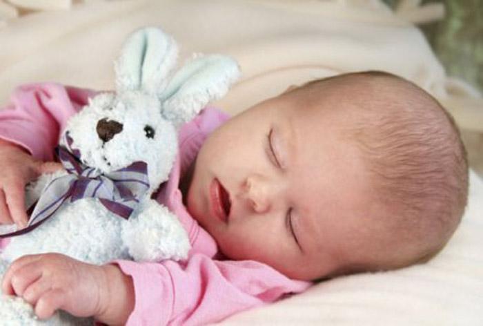 Стоит ли переживать родителям, если новорожденный плохо спит?
