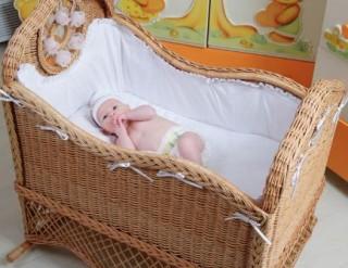 Малышу в первые недели жизни просто незачем подушка