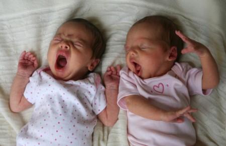Как рожают близнецов: советы для будущих мам