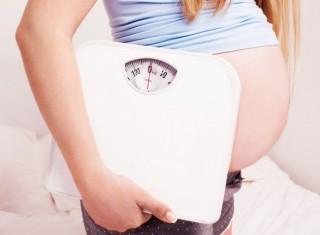 Ощутимая прибавка веса наблюдается с начала второго триместра