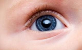 Так как накопление меланина происходит постепенно, цвет глаз у ребенка также меняется не сразу