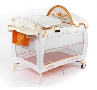 Дерево считается наиболее приемлемым материалом для изготовления детских кроваток