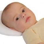 Ортопедическая подушка для новорожденного: зачем нужна и как выбрать?