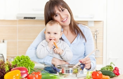 Каким должно быть меню кормящей мамы в первый месяц? Что можно, а что нельзя?
