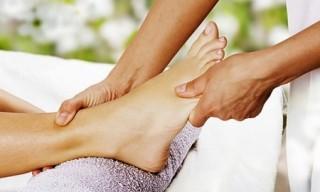Хорошим способом избавления от спазма икроножной мышцы будет массаж