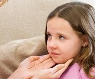 Шейный лимфаденит у детей довольно частое явление, связано это с незрелостью их иммунной системы
