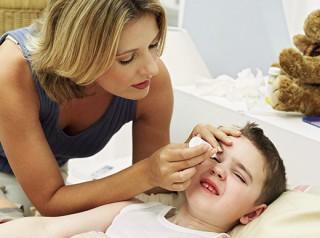 Детские витамины в каплях для глаз представляют собой препарат на основе комплексного раствора из различных витаминов и минералов