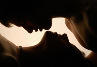 Следует помнить о «комфортном сексе», в первую очередь, поза должна быть удобной для вас и не приносить дискомфорт