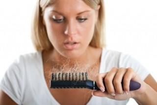 Очень сильное выпадение волос при беременности: что же делать?