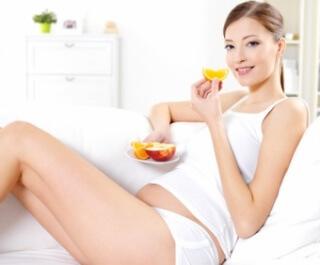 Мандарин является самым отличным средством, среди известных, которое помогает справиться с токсикозом