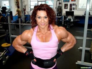 Тестостерон способствует увеличению мышечной массы у спортсменов