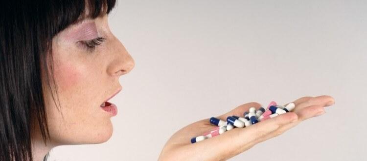 Кровоостанавливающие препараты при обильных месячных: виды, способы применения