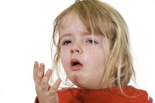 Препарат Амбробене применяется при лечении кашля у детей