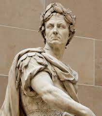 Имя Юлия происходит от римского родового имени Илий