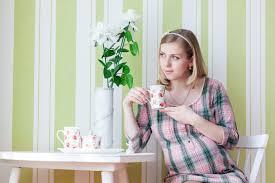 Пить кофе беременная женщина должна, придерживаясь определенных правил