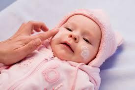 При лечении дерматита следует использовать специальные лечебные мази