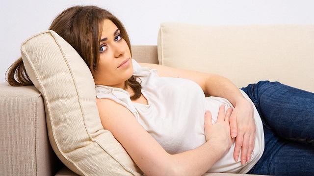 Боли в желудке при беременности: причины и правильные решения