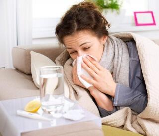 Капли от насморка при беременности принимаются с осторожностью