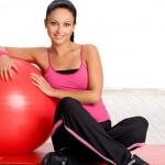 Упражнения для беременных в 1 триместре: тренируемся на фитболе
