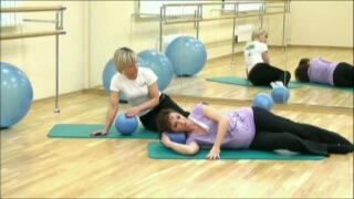 Выполнение легких упражнений рекомендуется на любом сроке беременности