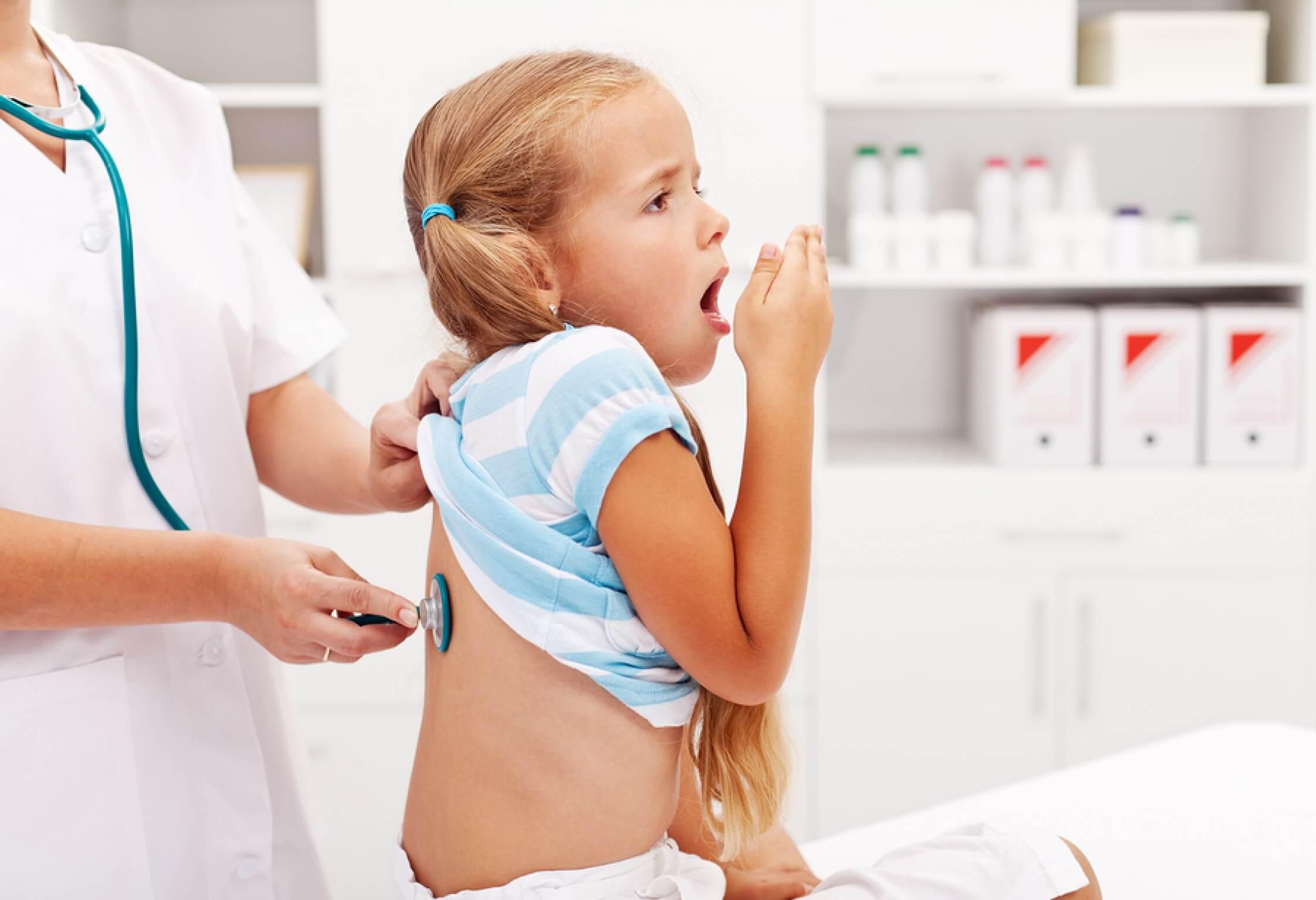 Признаки пневмонии у детей: как распознать опасное заболевание