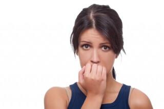 Причиной задержки может быть нарушение в работе эндокринной ситсемы