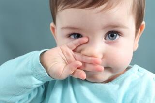 Препарат Називин рекомендован для лечения насморка у детей