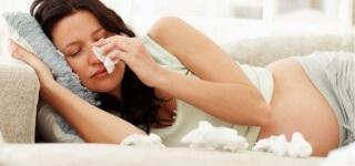 Часто при беременности возникает потребность в применении глазных капель