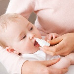 Что капать в нос ребенку при насморке и, как правильно выбрать лекарство?