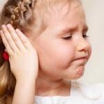 Как сделать компресс на ухо ребенку: особенности процедуры, советы специалистов