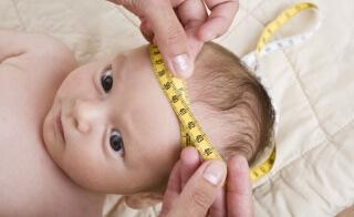 Постоянное наблюдение за размерами окружности головы - один из методов диагностики недуга