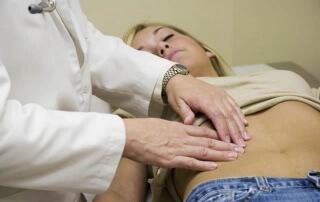 При наличии болевого синдрома лучше обратиться к специалисту