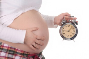 Беременная женщина должна следить за периодичностью схваток