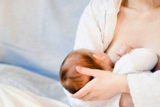 Грудное вскармливание влияет на сроки появления месячных после родов