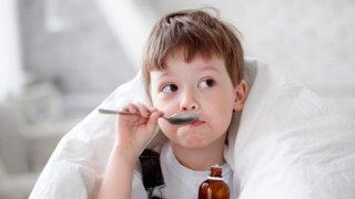 Для лечения кашля необходимы отхаркивающие препараты