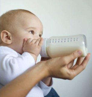 Козье молоко специалисты рекомендуют с девяти месяцев