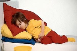 Действенные лекарства при отравлении ребенка: советы по выбору препаратов
