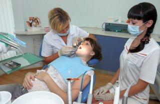 Лечение зубов рекомендуется после 12 недели беременности