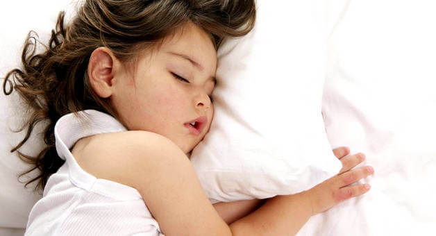 Почему возникает скрежет зубами во сне у детей?