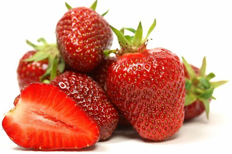 Какие полезные для детей витамины содержатся в клубнике?