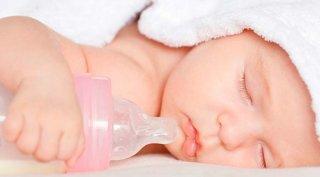 Отучая ребенка от бутылочки учитывайте индивидуальрные особенности малыша
