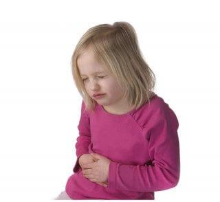 Боль в животе - один из симптомов недуга