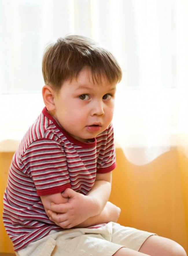 Что делать, если у ребенка сильно болит желудок?
