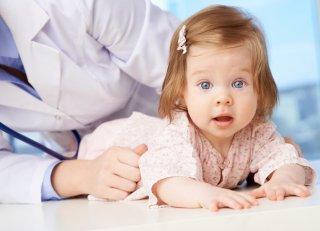 Тошнота и боль в желудке у рбенка - повод поспешить к врачу