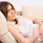 Болит желудок по утрам у беременной: причины патологического состояния