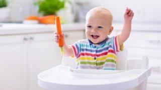 Соблюдение советов специалистов поможет отучить ребенка от груди