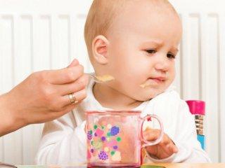 Прорезывание зубов - основная причина плохого аппетита малыша