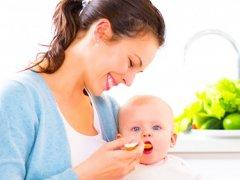С чего лучше начинать прикорм: советы врачей