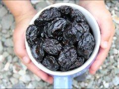 Можно ли есть чернослив кормящей маме: рекомендации по правильному питанию